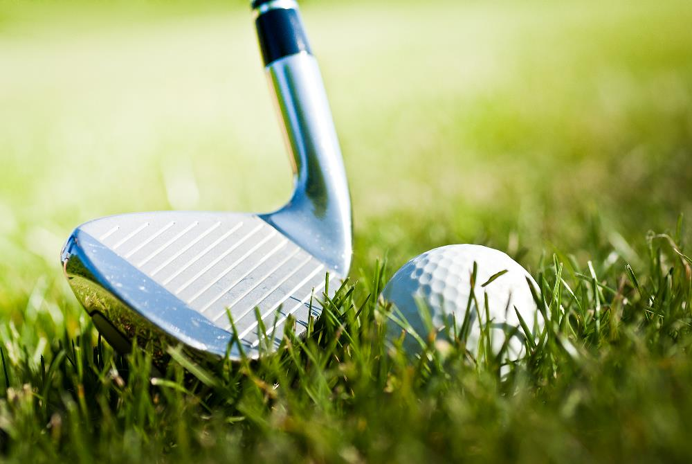 What distance does a golf iron hit?