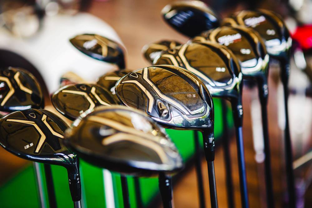 What distance does each golf club hit?